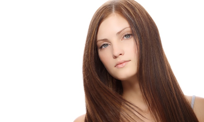 Roque Beauty Lounge - The Lashe Spot Lincoln Park: One or Three Blowouts or Haircut with a Deep-Conditioning Treatment and Blow-Dry atRoque Beauty Lounge(Up to 68% Off)