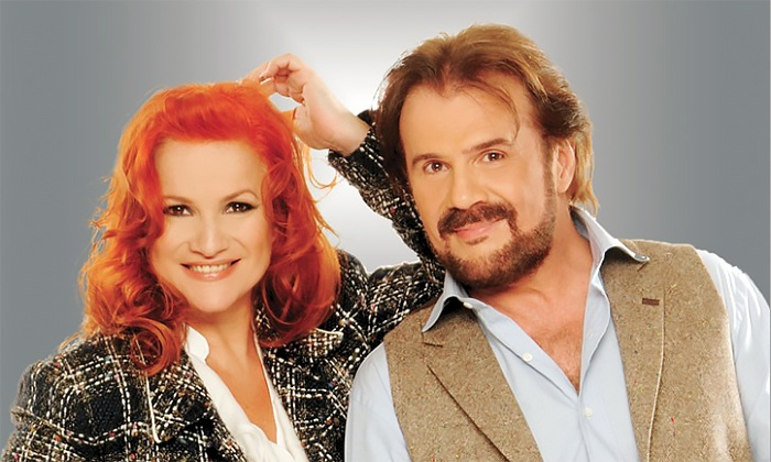 Pimpinela - Arena Place: Pimpinela at Arena Theatre Houston on March 29, at 8:30 p.m. (Up to 46% Off)