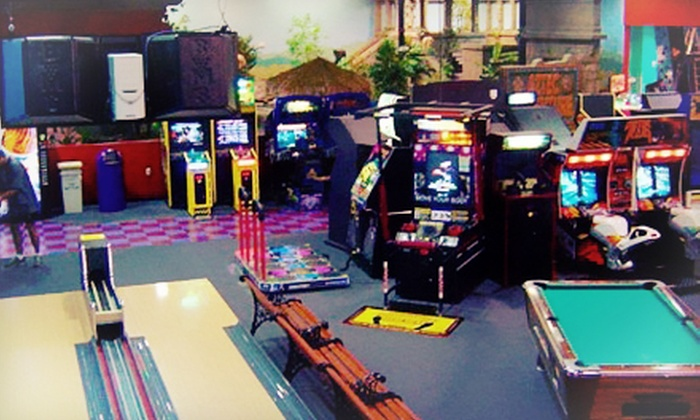 Planet X - Cedar Rapids: $36 for Gaming and Pizza for Four at Planet X ($74.99 Value)