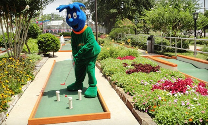 Putt-Putt Fun House - League City: $15 for a Deluxe All-Day Fun Pass and $5 Game-Room Play Card at Putt-Putt Fun House (Up to $35 Value)
