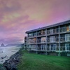 Beachfront Oregon Inn near Haystack Rock