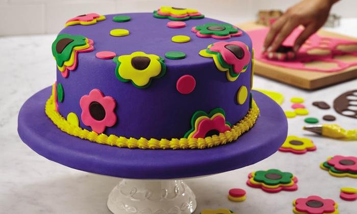 Cake Decorating Kit Groupon : Cake Boss 23-Piece Flower Cake/ Cookie Kit Groupon