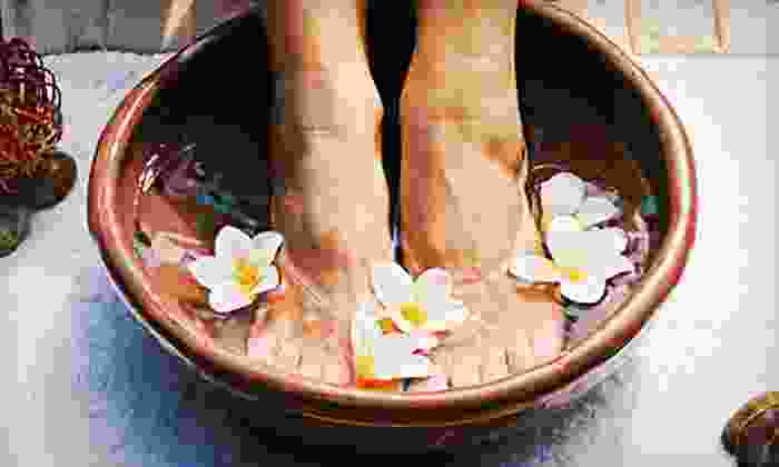 Optimal Health Chiropractic - Memphis: Two or Three Massages or Five Detox Footbaths at Optimal Health Chiropractic (Up to 76% Off)