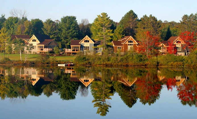 Spacious Lakeside Cottages in Rural Ontario