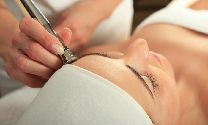 The Skin Loft - The Skin Loft: Diamond Microdermabrasion Treatment at The Skin Loft (44% Off)