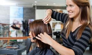 Salon Fryzjerski Anna: Koloryzacja, strzyżenie i regeneracja (od 39,99 zł) w Salonie Fryzjerskim Anna