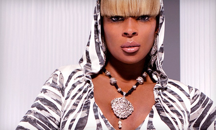 The Liberation Tour featuring Mary J. Blige and D'Angelo - Virginia Beach: Mary J. Blige and D'Angelo Concert at Farm Bureau Live at Virginia Beach on Saturday, August 18, at 7 p.m. (Up to 66% Off)