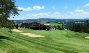 Club de Golf Coaticook: C$49 for a Round of Golf for Two with Cart and Chicken Wings at the Club de Golf Coaticook (C$107 Value)