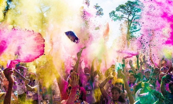 The 5k Color Blast - Largo Central Park Nature Preserve: $35 for One Entry to The 5k Color Blast, Presented by MOR on Saturday, February 27 ($60 Value)