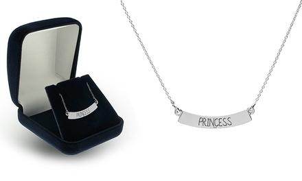 Um colar de prata personalizável por 12,99€ ou dois por 22,99€