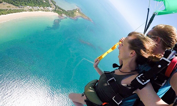 Tandem Skydive Up To 12 000ft Alude Mission Beach Groupon