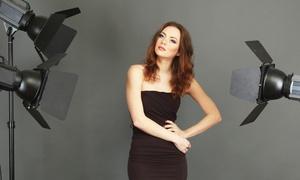 Monica Volpi: Shooting fotografico con servizio di make up e piega capelli per una o 2 persone (sconto fino a 88%)