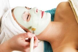Jen at Essenza Salon and Medi Spa: 60-Minute Spa Package with Facial at Jen at Essenza Salon and Medi Spa (44% Off)