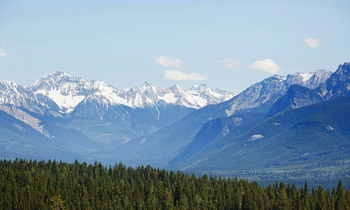 Copper Horse Lodge - Golden, BC: Stay at Copper Horse Lodge in Golden, BC. Dates Available into October.