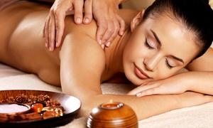 Thaís Kislin Estética: Thaís Kislin Estética – Vila Izabel: 4, 8 ou 12 visitas com drenagem linfática e massagem relaxante