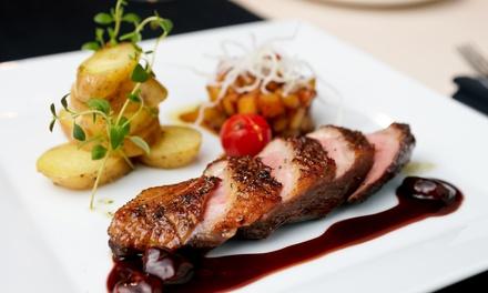 Menu comprenant entrée, plat et dessert au choix sur la carte pour 2 ou 4 personnes dès 34 € au restaurant La Pomme dOr
