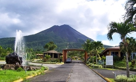 Tour Arenal Volcano and Hike Through Rainforest
