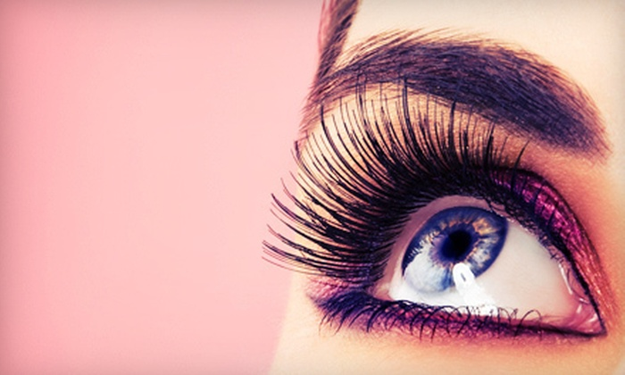 BienEstar Massage - Sunland Park North: $29 for a Full Set of Eyelash Extensions at BienEstar Massage ($80 Value)
