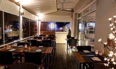 Nanami: bandeja de 40 piezas de sushi o de 20 piezas con entrante y wok por 24,95 € en Portals Nous
