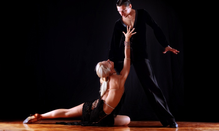 Green Space - Green Space: $10 Off Drop-In Modern Dance Class - Adult Beginner Tues. 6:30 - 8 pm 9/15 -12/15 at Green Space