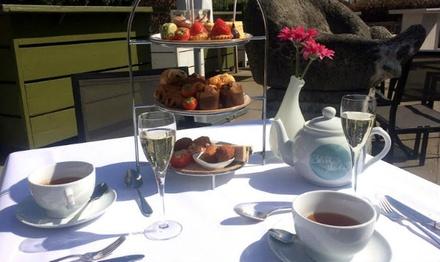 Luxe high tea met glaasje bubbels voor 2 of 4 personen bij Samen Eten en Drinken