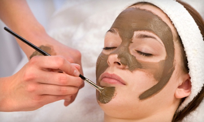 Zoē Anti-Aging & Wellness Spa - Downtown: $69 for Firming Detoxing Body Polish and Cocoa Exfoliating Firming Facial Treatment at Zoē Anti-Aging & Wellness Spa ($195 Value)