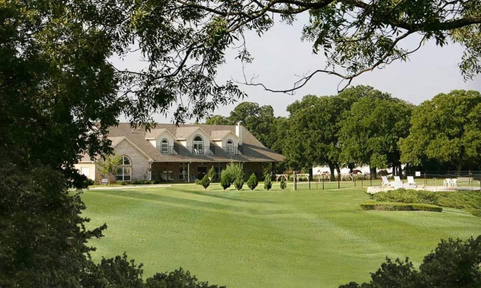 MD Resort Bed and Breakfast - Fort Worth: One-Night Stay for Two at MD Resort Bed and Breakfast in Fort Worth