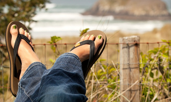 Feelgoodz: $15 for Pair of All-Natural Rubber Flip-Flops from Feelgoodz (Up to $30 Value)