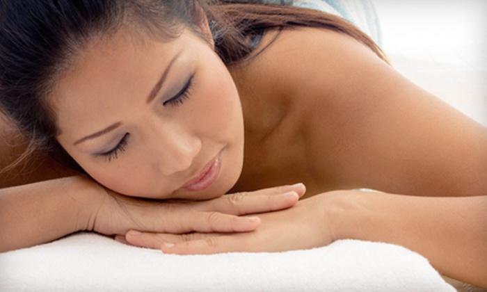 Metta Massage & Yoga Clinic - Ottawa: Acupuncture Session, Massage, or Reflexology Session at Metta Massage & Yoga Clinic (51% Off)