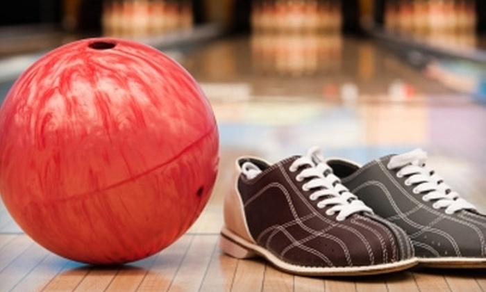 Palos Verdes Bowl - Torrance: $39 for a Bowling Package for Four with Rental Shoes, Pizza, and Soda at Palos Verdes Bowl in Torrance ($82 Value)