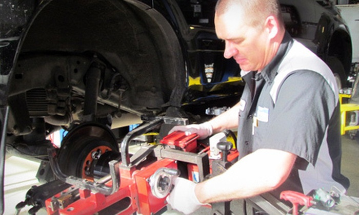 Colorado Auto Finders Service Center - Dayton Triangle: $14 for a Car-Care Package with Oil Change and Inspection at Colorado Auto Finders Service Center ($54.98 Value)