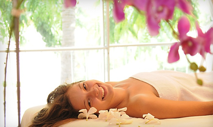Paradise Massages & Spa - Waikiki: $65 for a Tropical Freeze Massage and Glass of Wine at Paradise Massages & Spa ($130 Value)