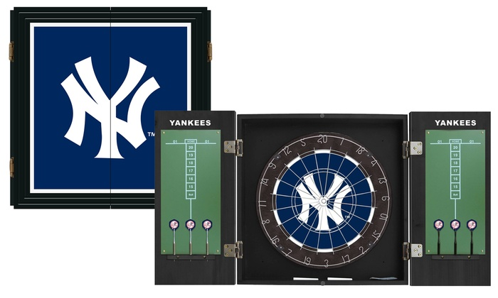New York Yankees Extreme Fan Dart Cabinet Set: New York Yankees Extreme Fan Dart Cabinet Set