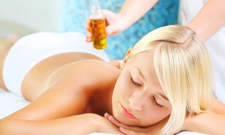 3 o 5 masajes a elegir entre relajante, antiestrés y reflexología podal desde 34 € en Terapias Complementarias