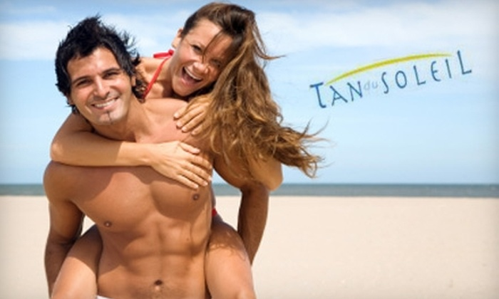 Tan Du Soleil - Multiple Locations: $29 for a VIP Pass to Tan Du Soleil in Gold's Gym ($60 Value)
