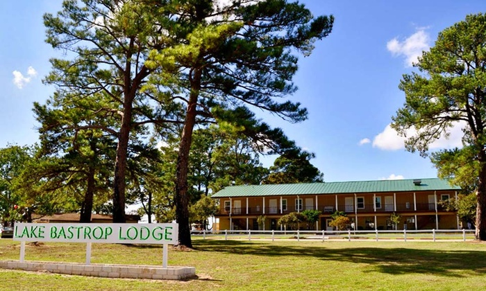 Lake Bastrop Lodge - Bastrop, TX: 1- or 2-Night Stay for Two in a Bunkhouse or Deluxe Room with a $20 Dining Credit at Lake Bastrop Lodge in Bastrop, TX
