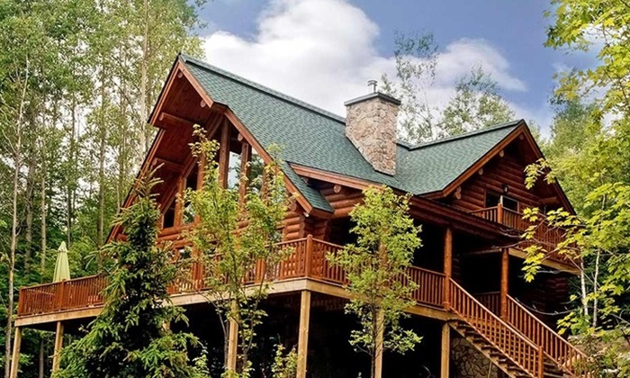 Blueberry Lake Resort - Milles-Iles: $599 for a 3-Night Chalet Stay for Up to Eight at Blueberry Lake Resort ($1,815 Value)