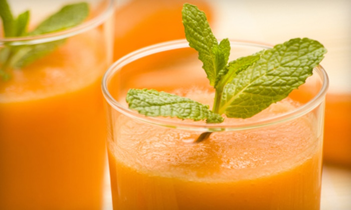 3 in 1 Juice - Boca Raton: $12 for $25 Worth of Healthy Juice, Smoothies, and Venezuelan Fare at 3 in 1 Juice in Boca Raton
