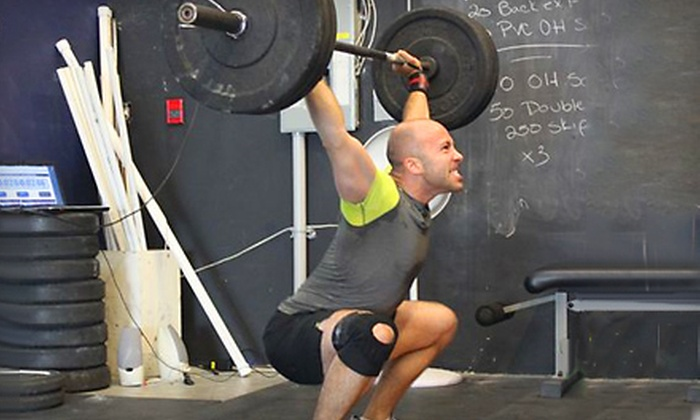Peninsula CrossFit - Sidney: $39 for Six CrossFit Elements Classes and a One-Month Membership at Peninsula CrossFit in Sidney ($198 Value)