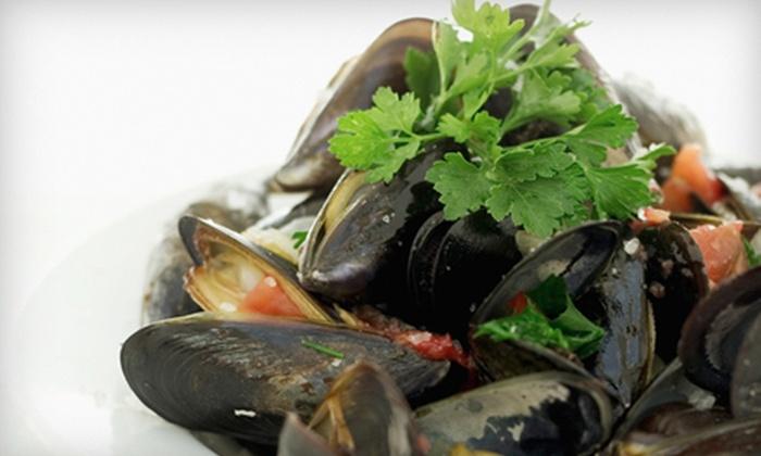 Molto Ristorante - District de Hull: $19 for $45 Worth of Italian Cuisine for Dinner at Molto Ristorante in Gatineau