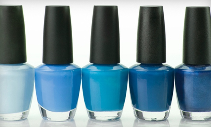 Serenité Spa - Downtown: $75 for a 30-Minute Manicure and 30-Minute Pedicure at Serenité Spa ($75 Value)