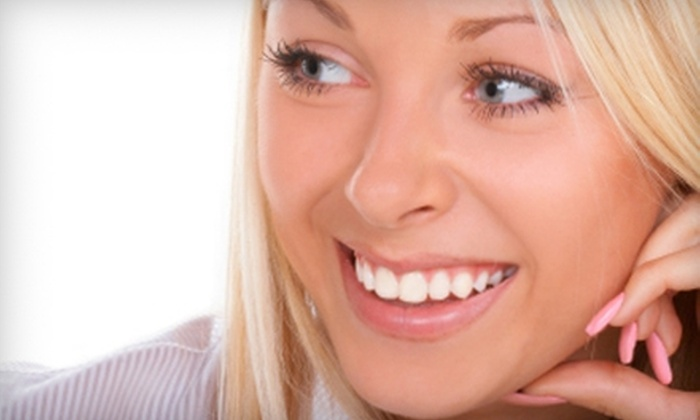 New Wave Body Contouring - Brevoort Park: $69 for One Teeth-Whitening Treatment at New Wave Body Contouring ($174.95 Value)
