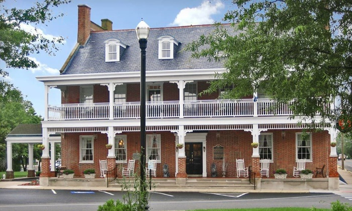 Brick Hotel On The Circle - Georgetown: One- or Two-Night Stay with $25 Dining Credit at Brick Hotel On The Circle in Georgetown, DE