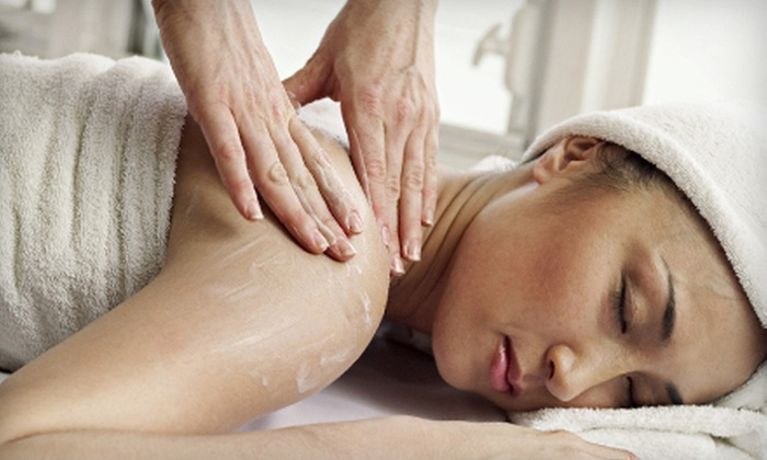 A Better Place Massage Therapy - Parkway Station: $35 for One-Hour Swedish, Deep-Tissue, Sports, or Prenatal Massage at A Better Place Massage Therapy in Apex ($70 Value)