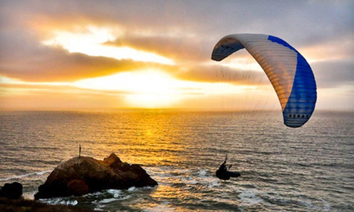 Lift Paragliding - Cow Hollow: $100 for a One-Day Introductory Paragliding Lesson from Lift Paragliding ($200 Value)