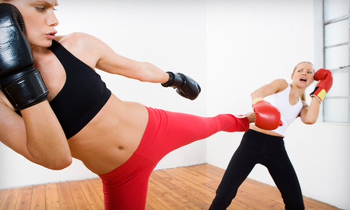 Chicago Muay Thai Kickboxing Club - Depaul,Lakeview,Lakeview East: 5 or 10 Muay Thai Kickboxing Classes at Chicago Muay Thai Kickboxing Club (Up to 88% Off)