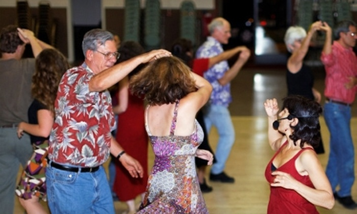 Bailamos Salsa Rueda - Santa Cruz: $14 for Four Beginner Salsa Classes at Bailamos Salsa Rueda