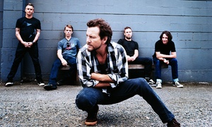 Pearl Jam: Pearl Jam – Wrigleyville All-Inclusive Rooftop Concert Experience at 7 p.m. on August 20 or 22