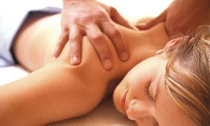 Leonard Chiropractic - Fairview Park: $30 for One-Hour Therapeutic Massage with Aromatherapy Oils ($70 Value) or One-Hour Therapeutic Massage, Chiropractic Evaluation, and First Adjustment ($180 Value) at Leonard Chiropractic in Fairview Park