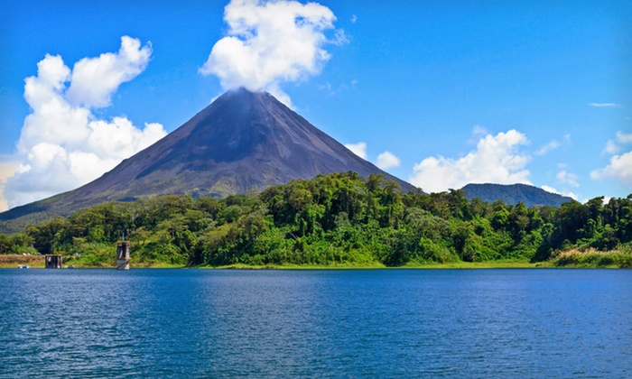 Costa Rica Tour with Airfare - Arenal Volcano, Monteverde, and San Jose: Seven-Day Costa Rica Tour from Friendly Planet Travel with Airfare